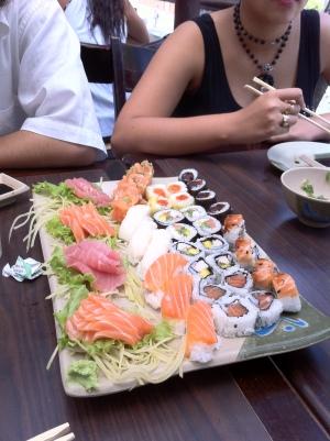 Sushis e sashimis (clique para ampliar)